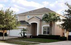 Disney Magic, 7 bed rental home close to Disney