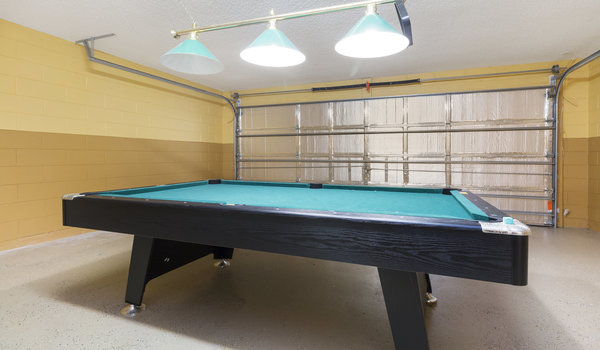Air-conditioned gameroom with pool table