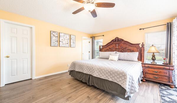 Bedroom #1: Master bedroom with en-suite and king bed
