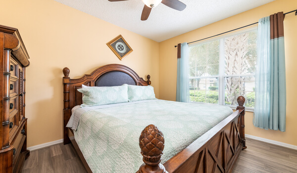 Bedroom #2: Master bedroom with en-suite and king bed