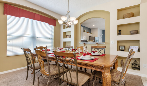 Emerald Island Rental: Formal dining area for special meals