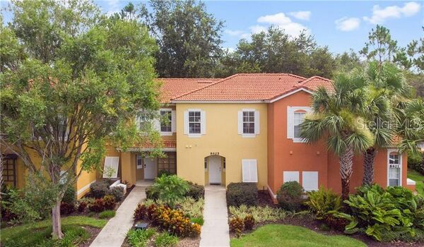 Located 3 miles or 5 minutes from Disney World Orlando