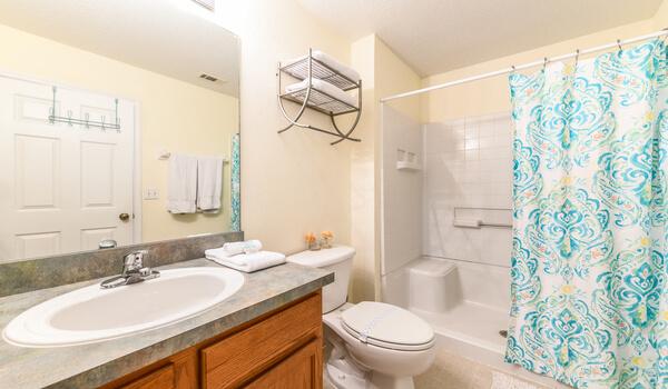 En-suite to Bedroom #1