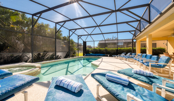 South-facing pool/spa means you get the best of the sun!