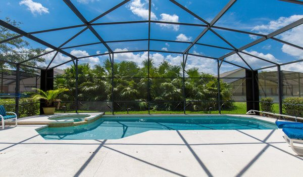 Have a dip in this south-facing pool after a hectic day at the theme parks!