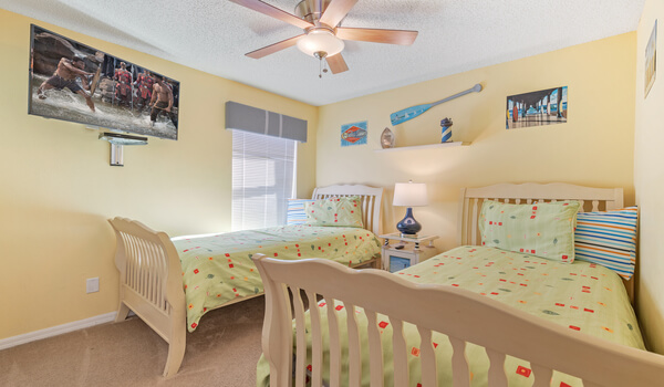 Kids bedroom #2 - Beach Themed bedroom has two twin beds