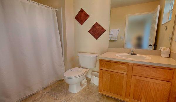 En-suite for bedroom #1