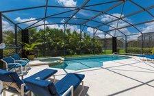 Large south-facing pool/spa